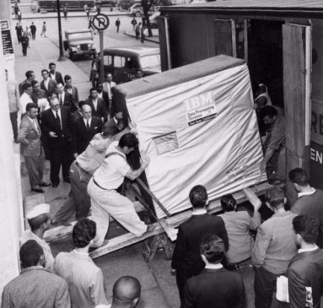 IBM 5Mb hard drive in 1956.